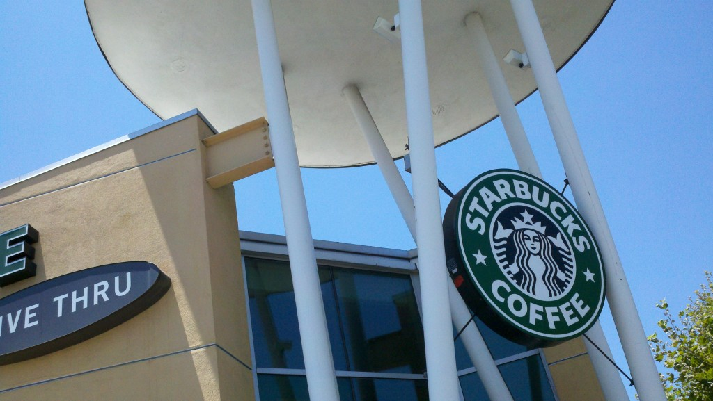 Starbuck_on_Lakewood_and_Telergraph_in_Downey_CA